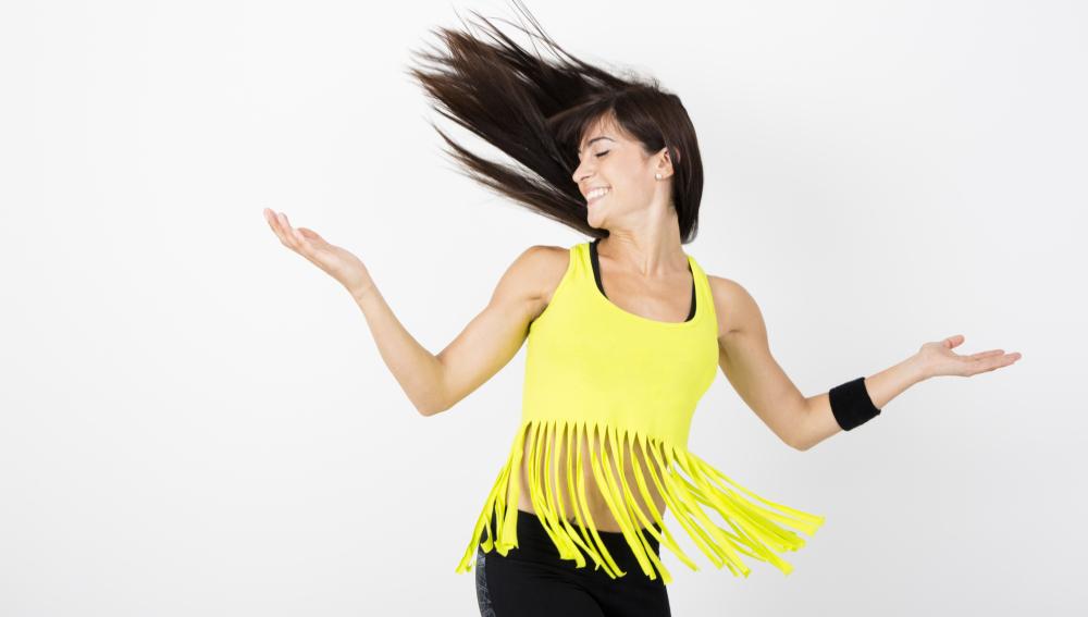 Chica bailando Zumba