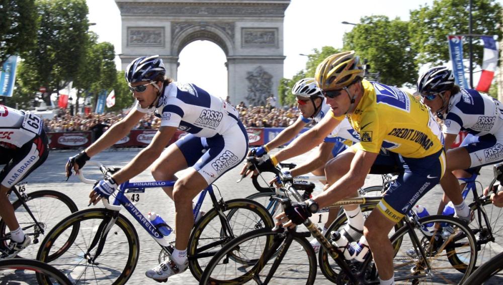 Lance Armstrong, en la llegada del Tour a París