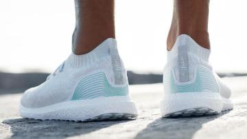 Zapatillas hechas con basura de los océanos