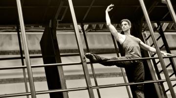 Joel Toledo, actual Asesor de Danza de la Comunidad de Madrid, en su etapa de bailarín.