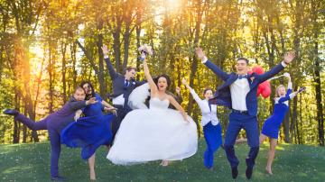Las coreografías grupales son tendencias en las bodas