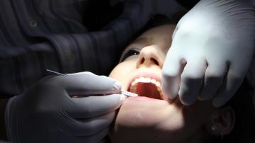 Acudir al dentista una vez al año es importante para prevenir enfemedades  bucodentales y evitar lesiones