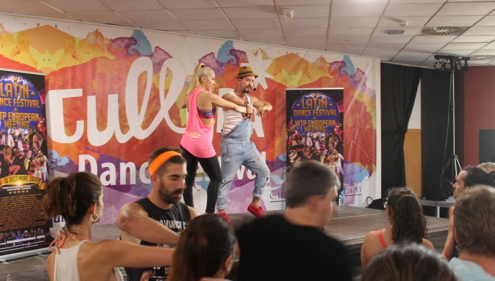 Taller impartido por los campeones, Adrián y Anita.