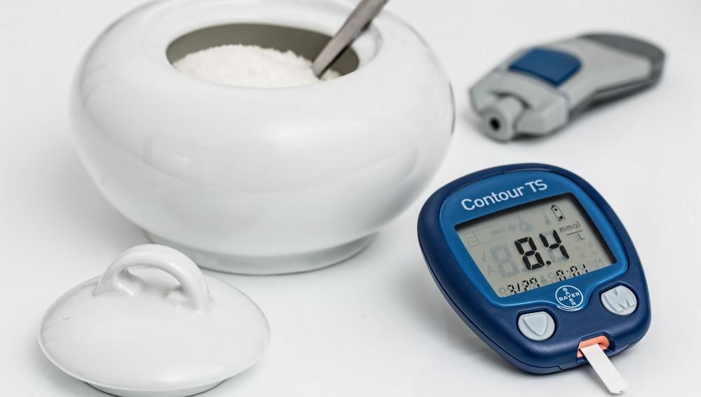 Foto de un dispositivo para medir la diabetes