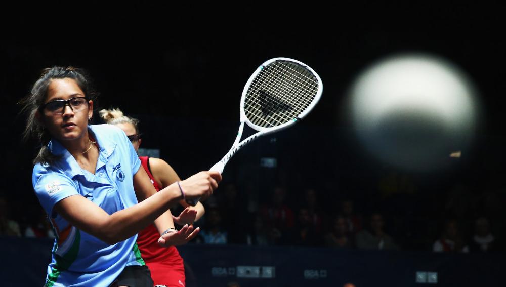 Jugando al squash