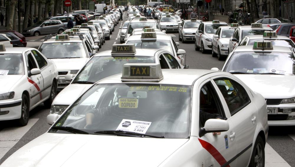 Un estudio de la OCU detecta infracciones en las carreras de taxi