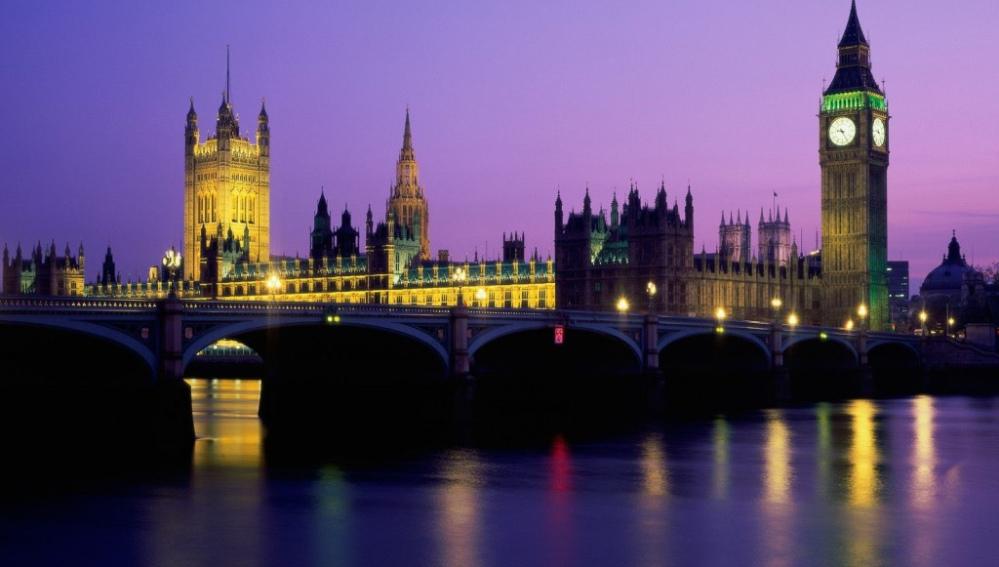 Ciudad de Londres en el atardecer