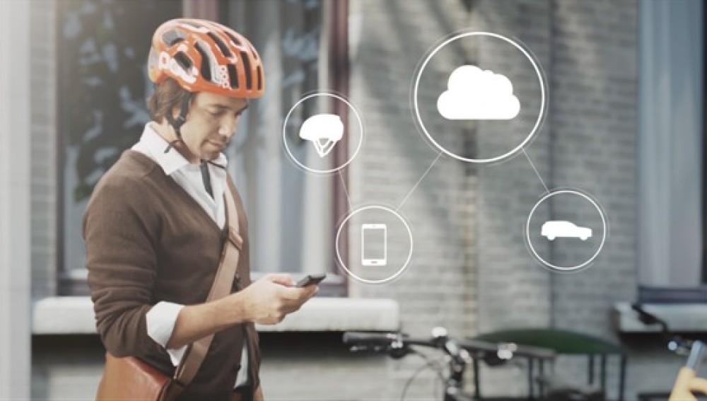 El casco conectado que te avisa de posibles accidentes