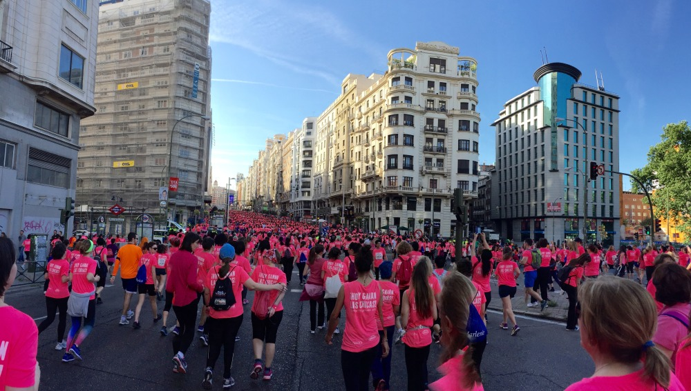 La Gran Vía de Madrid atestada de corredoras