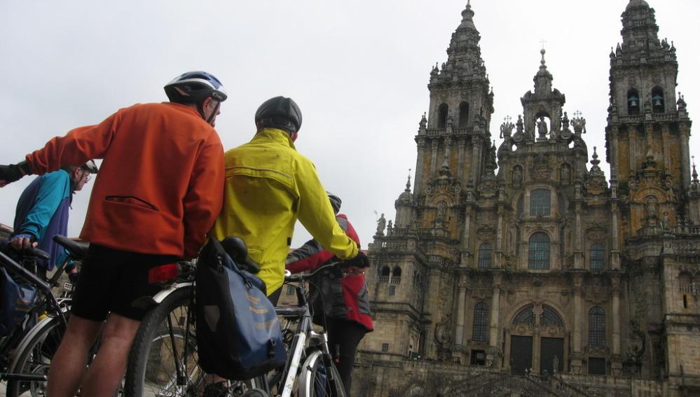 Llegada a la Catedral de Santiago en bici