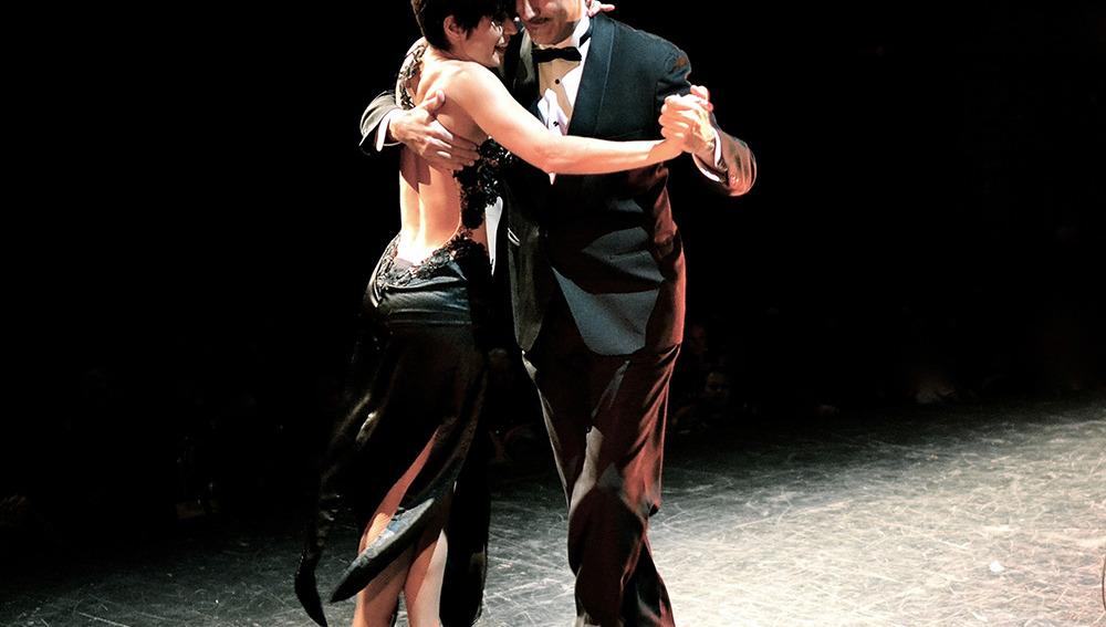 Juanma y Natalia bailando tango