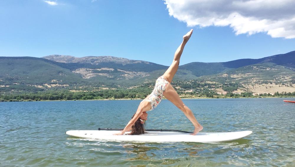 Cómo Hacer Yoga Sobre Una Tabla De Paddle Surf Correr Y Fitness