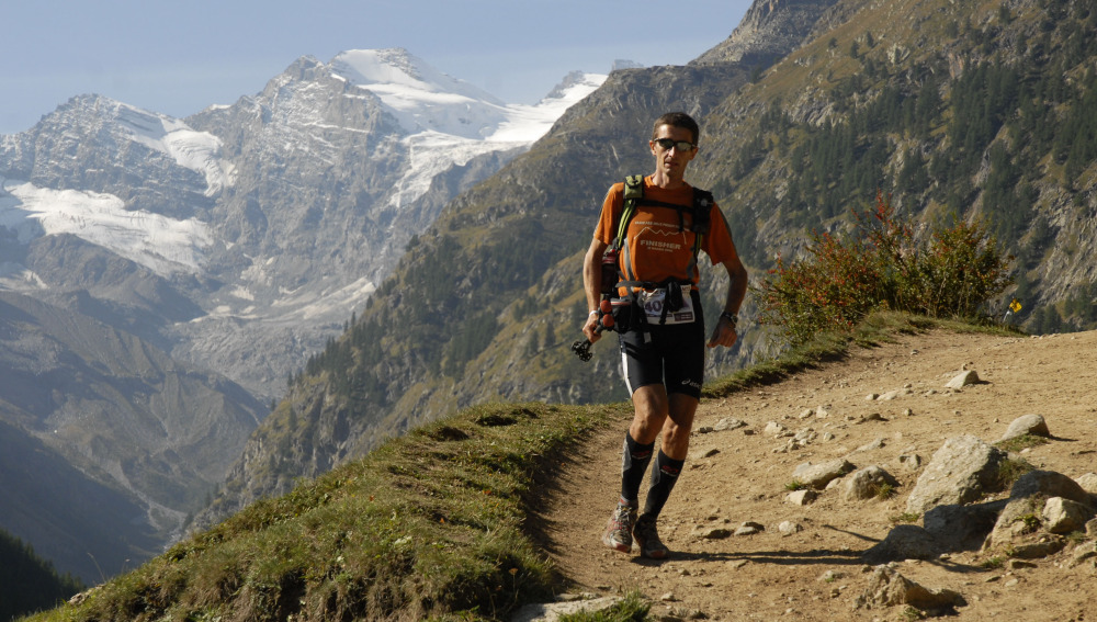 Un corredor de trail running