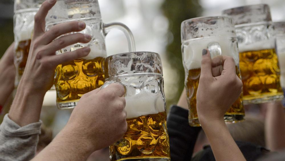 ¿La abstinencia de alcohol afecta la presión arterial?