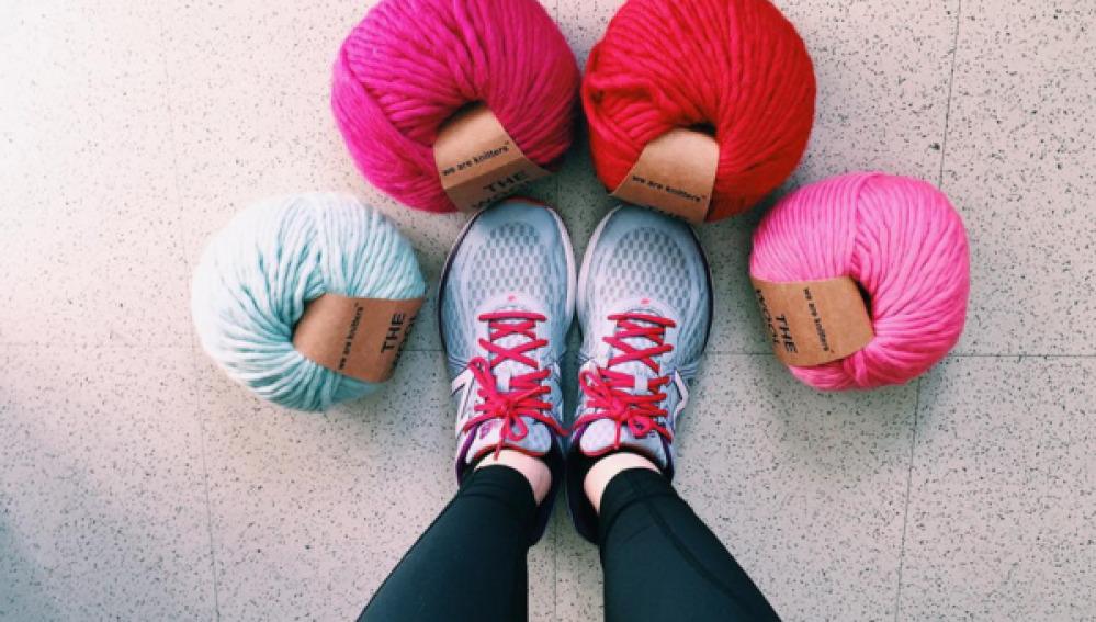Corre la maratón de Nueva York mientras teje