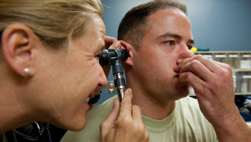 Exploración de oídos