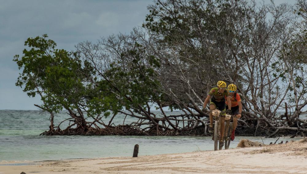 Titan Tropic: cinco etapas de duro recorrido y espectaculares paisajes