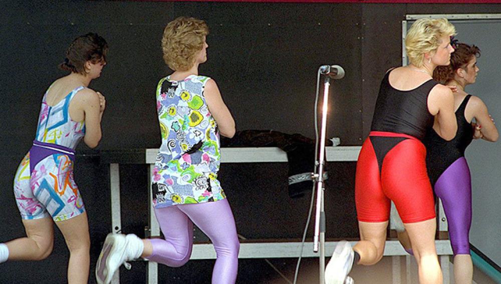Clase de aerobic de los años 90