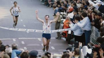 Rob de Castella ganando la maratón de Rotterdam