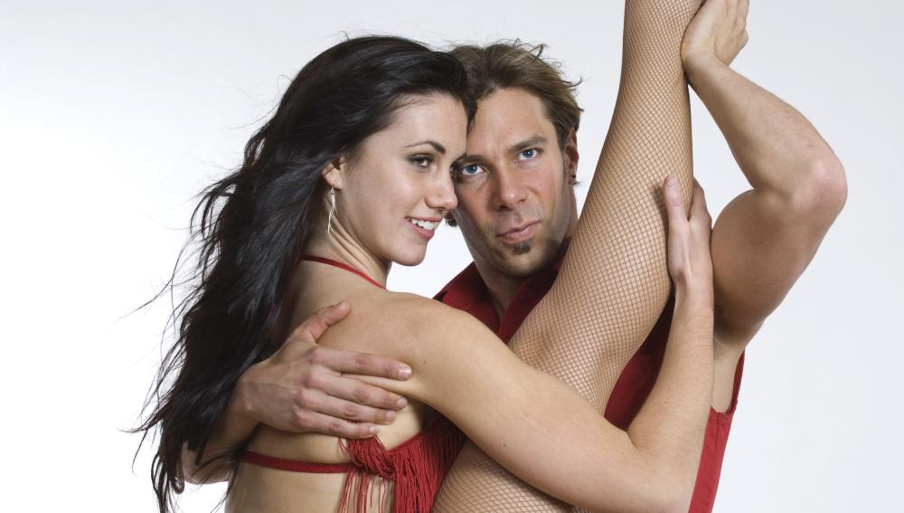Bailar acerca a las parejas