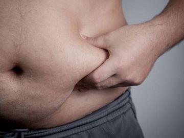 Hombres con barriga