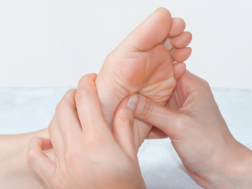 Si te duele el talón del pie puede ser fascitis plantar
