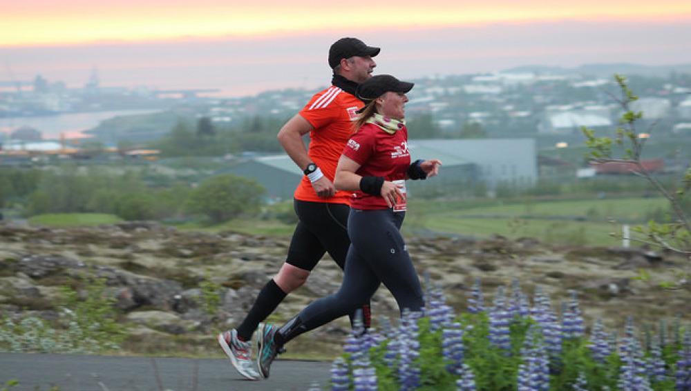 Maratón de medianoche en Islandia