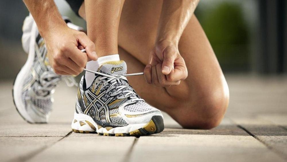 Cómo atarse correctamente las zapatillas