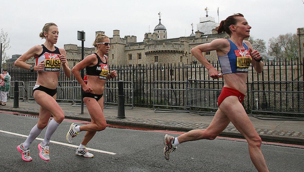Una corredoras en una maratón