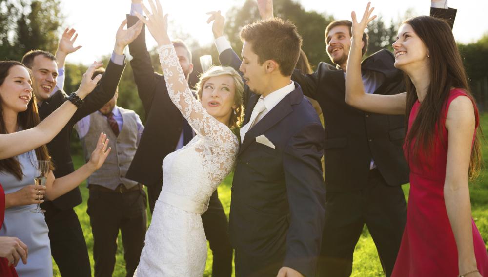 El vals es cosa del pasado: 6 ideas para sorprender con el baile a los invitados de tu boda