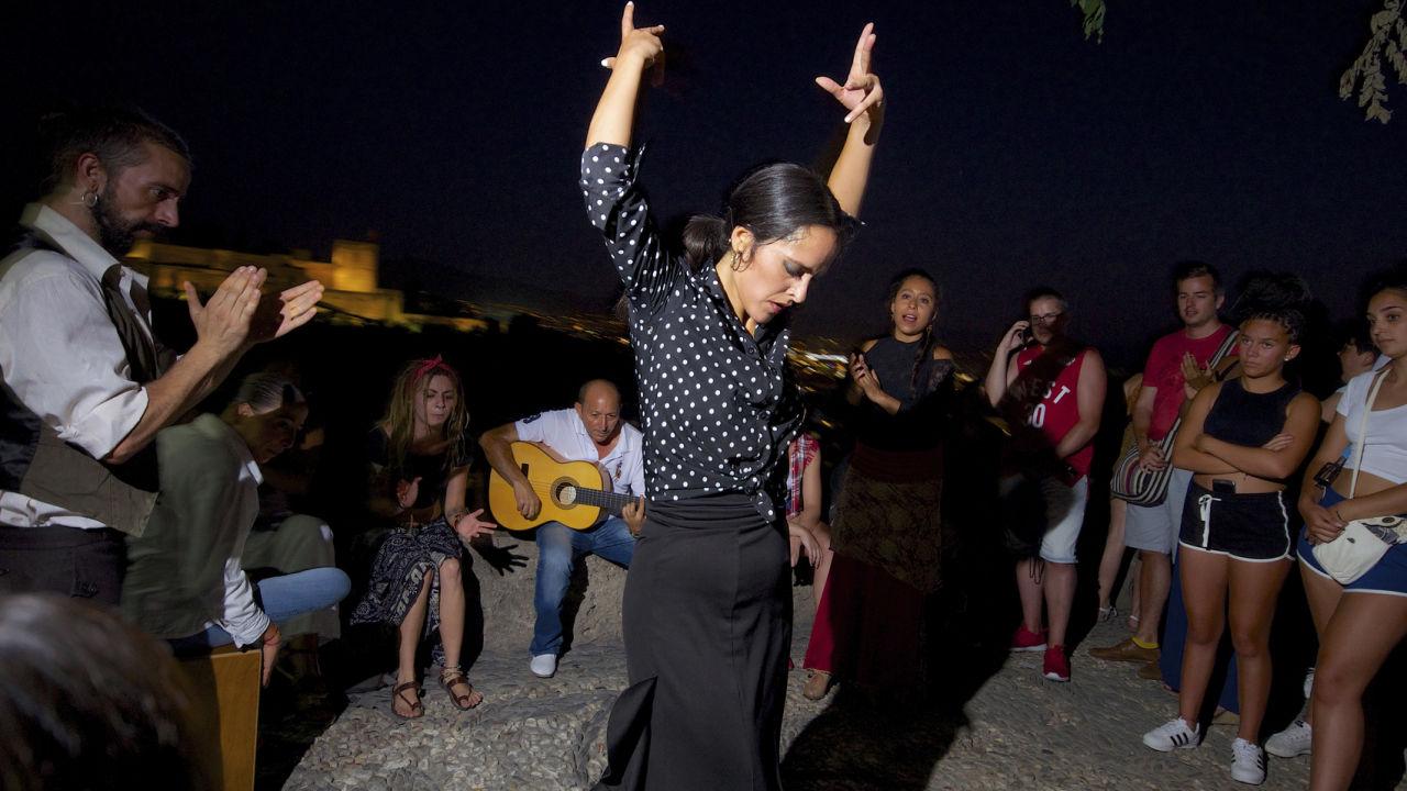 Cinco Buenos Motivos Para Aprender A Bailar Flamenco Correr Y Fitness