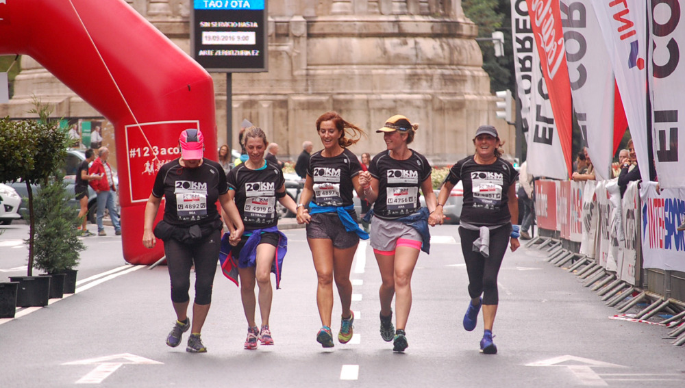 Cada vez es más frecuente ver en las carreras gente participando sin dorsal