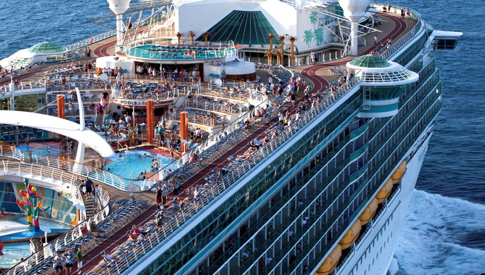 El Zumba Cruise llegando a uno de sus destinos