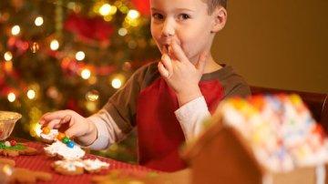 Controlar el exceso de dulces navideños en niños