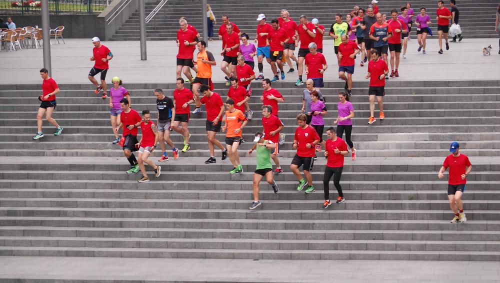 Correr acompañado es un buen truco para combatir el aburrimiento.