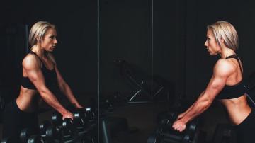 Las pesas son tus amigas si las sabes utilizar.