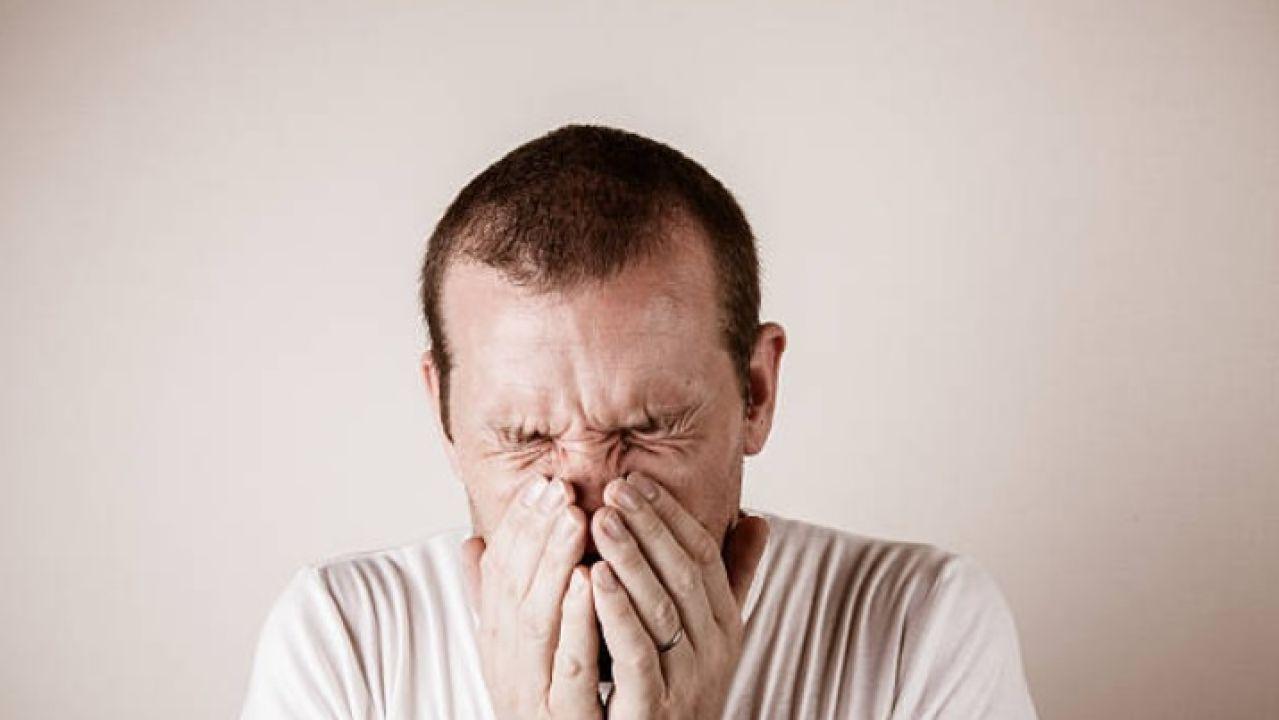 Estornudo el cuando todo en dolor cuerpo