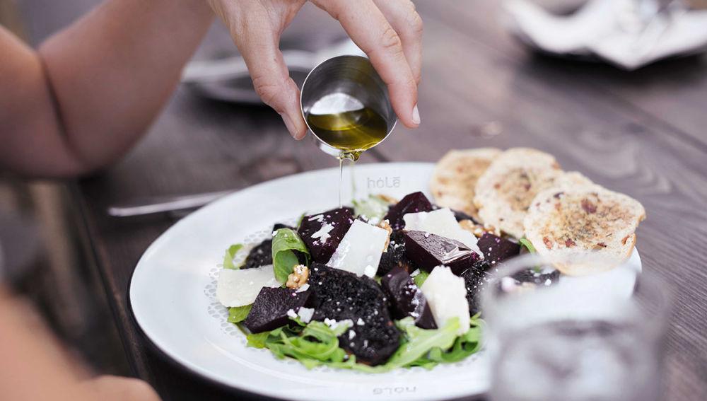 Plato absorbe calorías