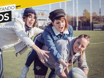 Angie y Gemma con la jugadora de rugby Ana Solís